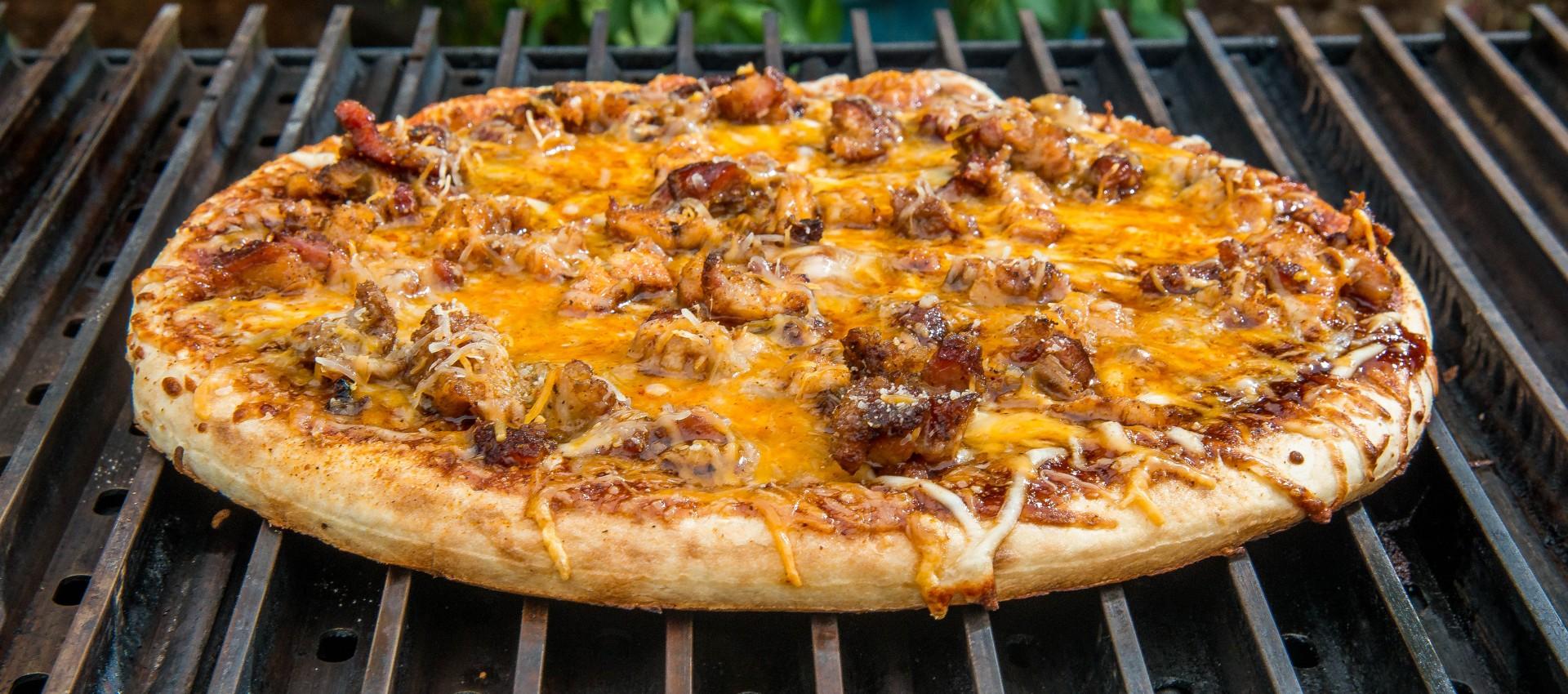 BBQ Pizza on GrillGrates